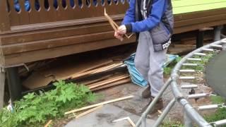 Шашлычок(как разжечь дрова в мангале)