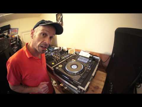 DJ LESSON ON MIXING OLD SCHOOL DISCO SALSOUL WITH NO CONSTANT BPM BY ELLASKINS