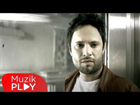 Özgün - Biz Ayrıldık (Official Video)