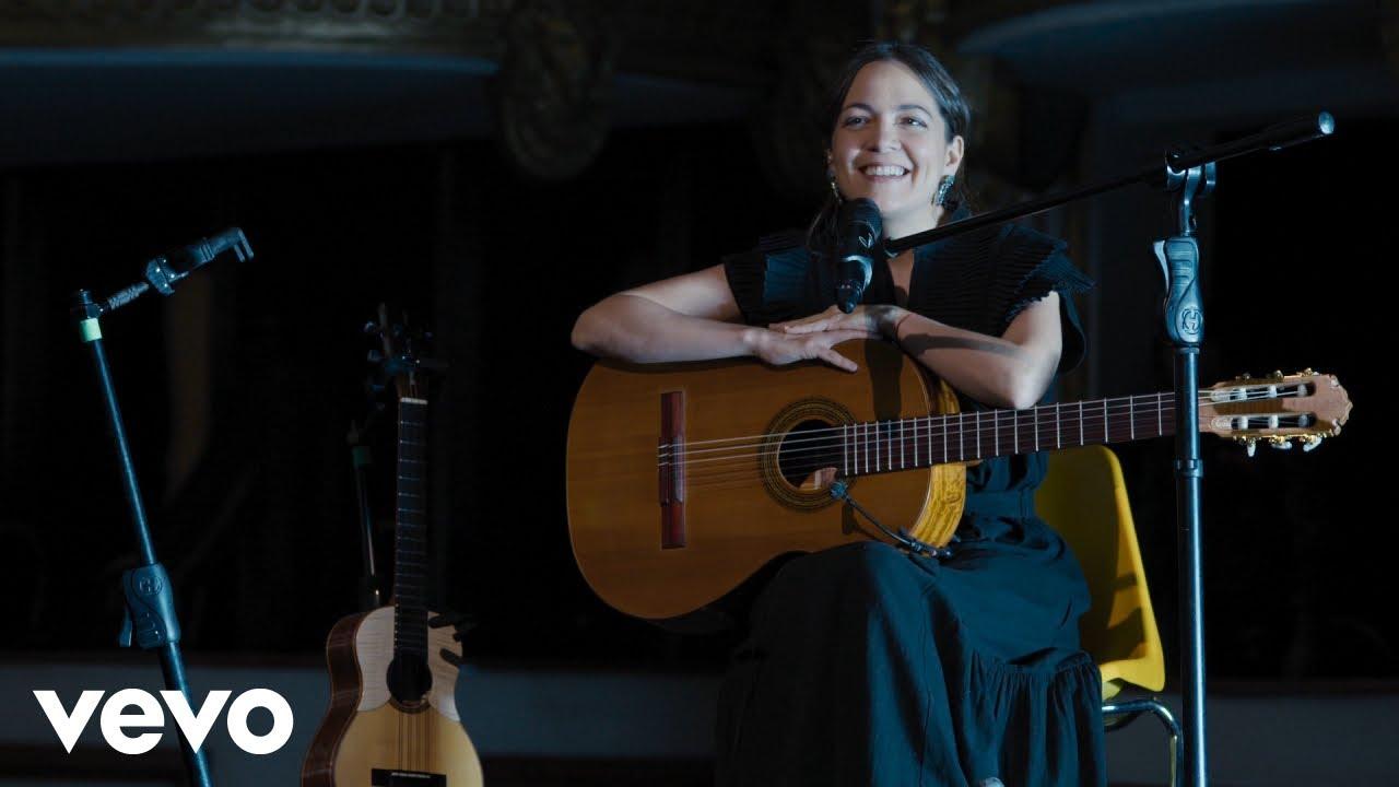 Natalia Lafourcade - Codo a Codo - Un Artista le Canta a un Héroe (Live Session Acústica)