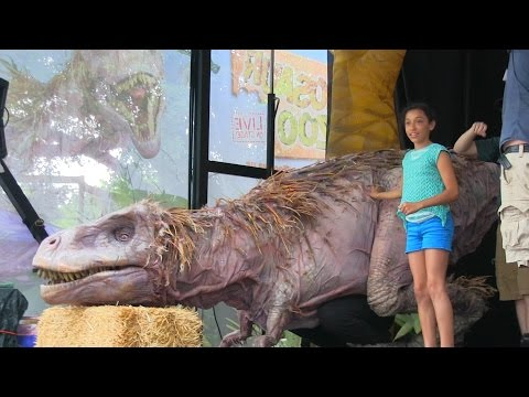 Scarry Trex Prank Is So FUNNY
