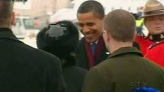 Repeat youtube video Barack Obama received by Governor General Michaëlle Jean in Ottawa Canada