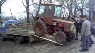 Jak się w Rosji pakuje ciągnik na
