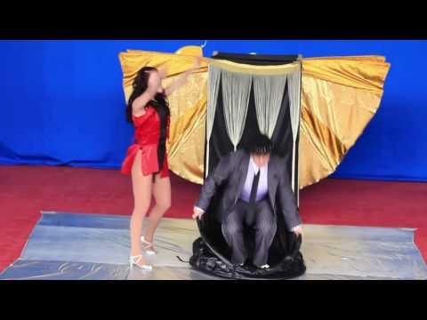 woman changes her clothes very quickly CROWN DREAM CIRCUS   Quick Change
