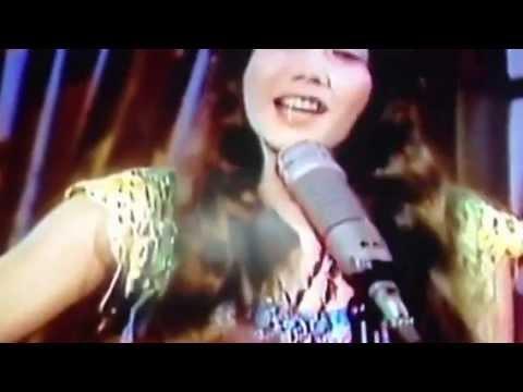 Barbi Benton sings