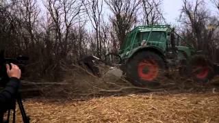 Корчевка пней и деревьев(ООО «КИС» http://ruscig.ru. Удаление деревьев и пней с помощью механизированной техники., 2015-12-05T17:00:13.000Z)