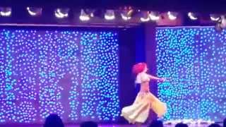 Красивый танец живота. Конференция Орифлейм танец живота.