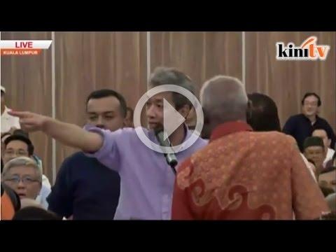 Audience bela Tun Mahathir kena 'serang'