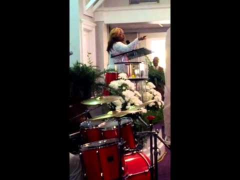 Pastor Beverly Crawford preaching - YouTube