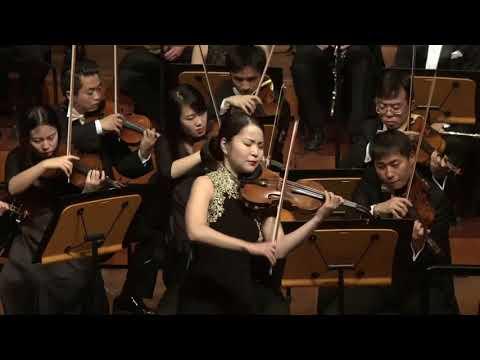 TCHAIKOWSKY: Violin Concerto violin concerto  Mayuko Kamio, violin  Rico Saccani, conductor