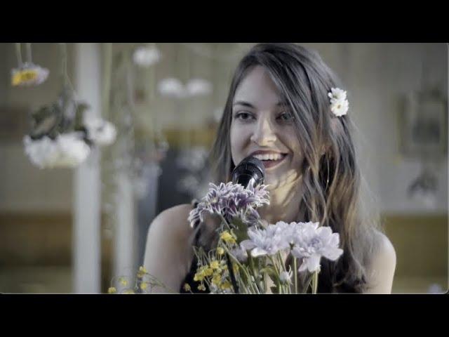 '3x3=9: Een ode aan het lied' - interview met Milou Mignon