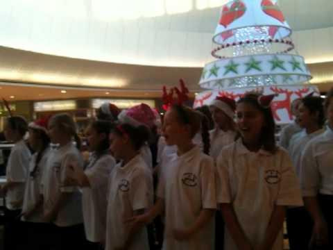 Quarry Hill School Choir 2nd December 2011 Lakeside