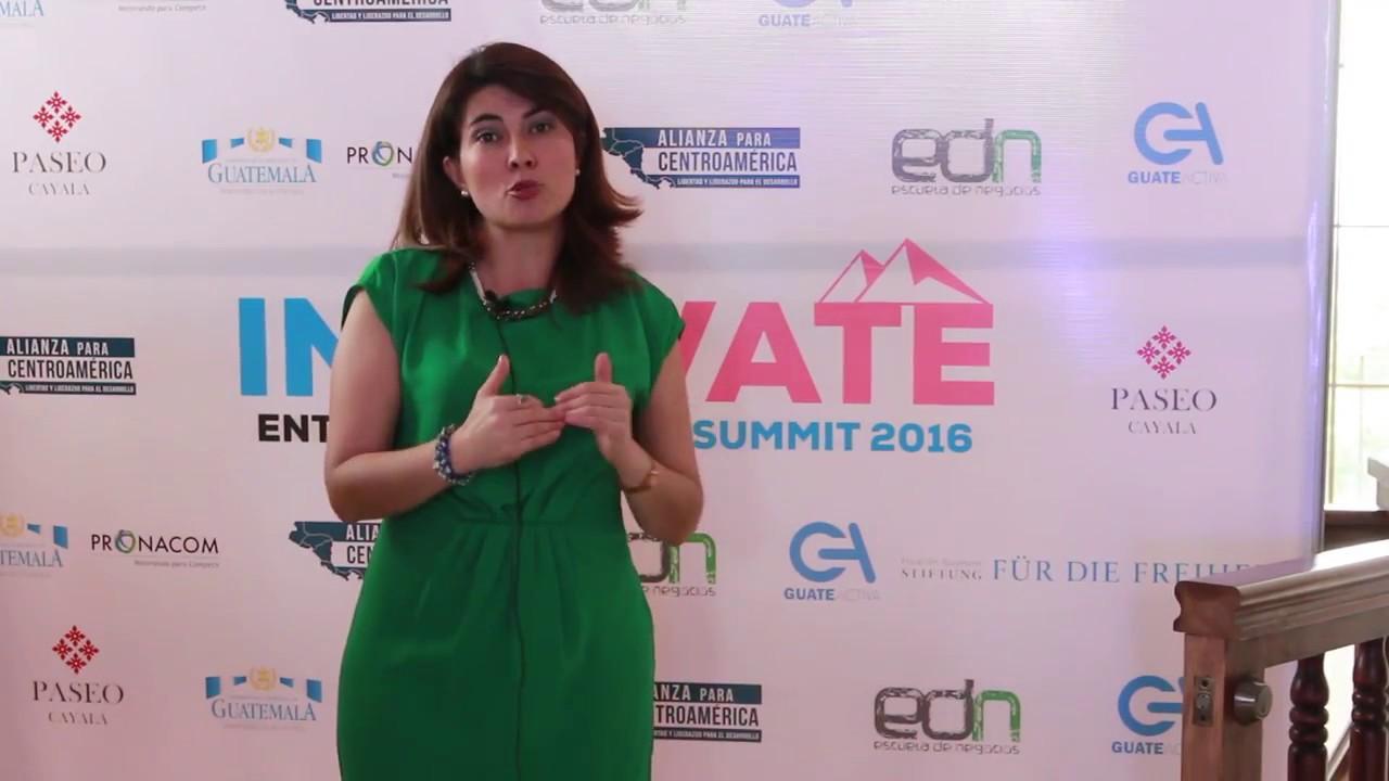 Albertina Navas, consultora y conferencista en estrategia de redes sociales.