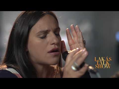 Szabadon | Palya Bea | S05E04 Lakástalkshow Lovász Lászlóval