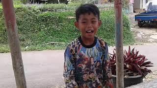 Fajar Enjay Main Gelantung Di Pos Ronda by Kamil Reoga
