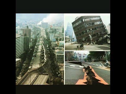 Chile Earthquake magnitude 8.3 - Tsunami warning sirens sound in Valparaiso, Chile,