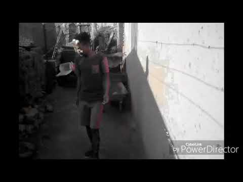 DJ  pH.   Flight mode dance