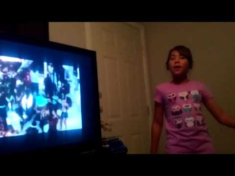 Baby girl Devin singing juicy by biggie!