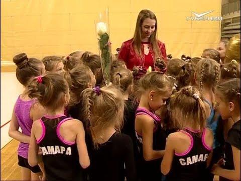 blyadi-alkashki-dzhuletta-rossiyskaya-gimnastka-video-parilke-video