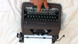 Vintage 1954 Royal Quiet Deluxe Typewriter - Keys