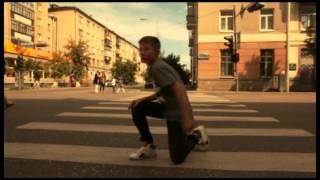 Мальчик круто танцует! на дне города в Кургане!