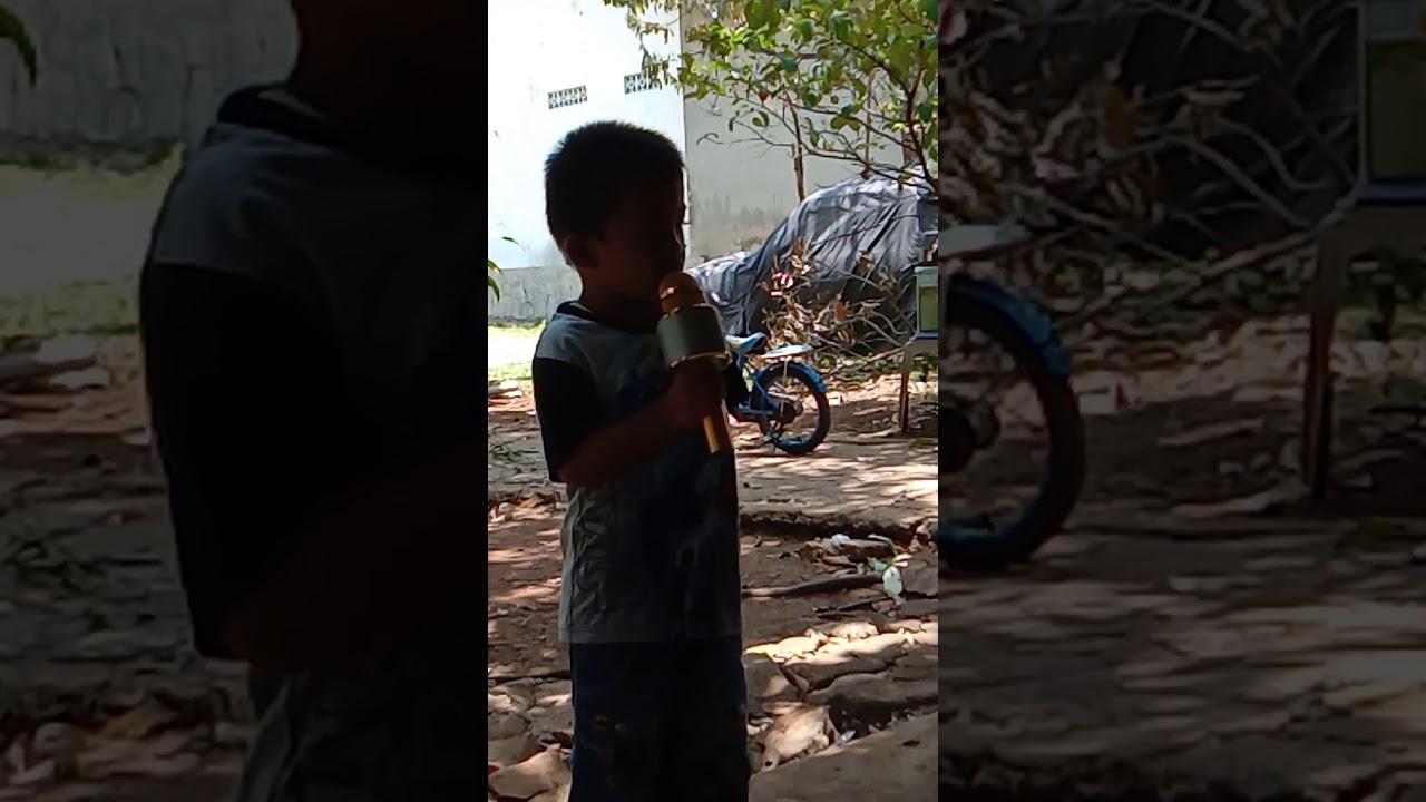 Video Lucu Anak Kecil Nyanyi Garuda Pancasila Youtube