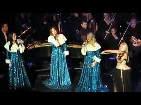 Celtic Woman Christmas.Celtic Woman Christmas Show In Milw 2015