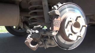 Замена задних тормозных колодок Honda Civic 4D