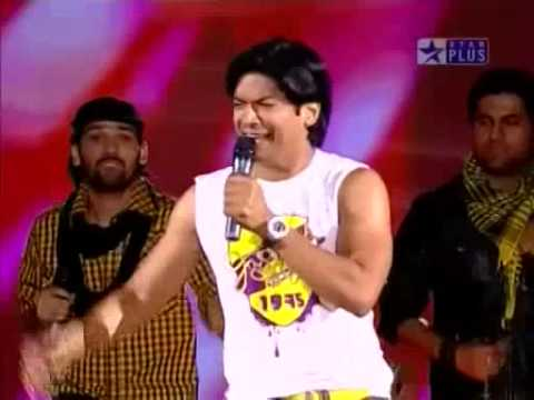 Shaan & his team in Music ka Maha Muqqabla