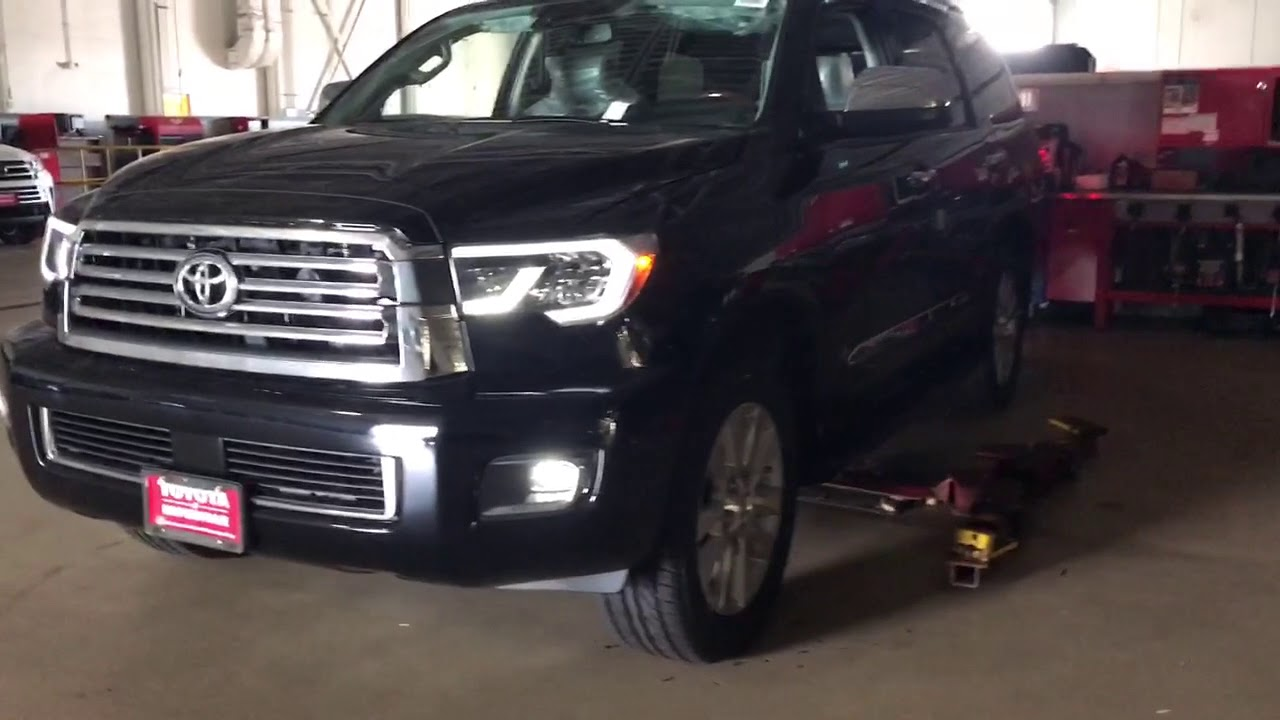 2018 Toyota Tundra vs Sequoia headlights drl - YouTube