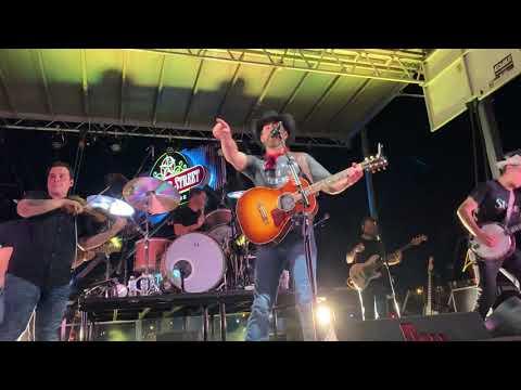 aaron-watson--getaway-truck-(live)