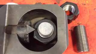 How a double acting, hydraulic nut splitter works