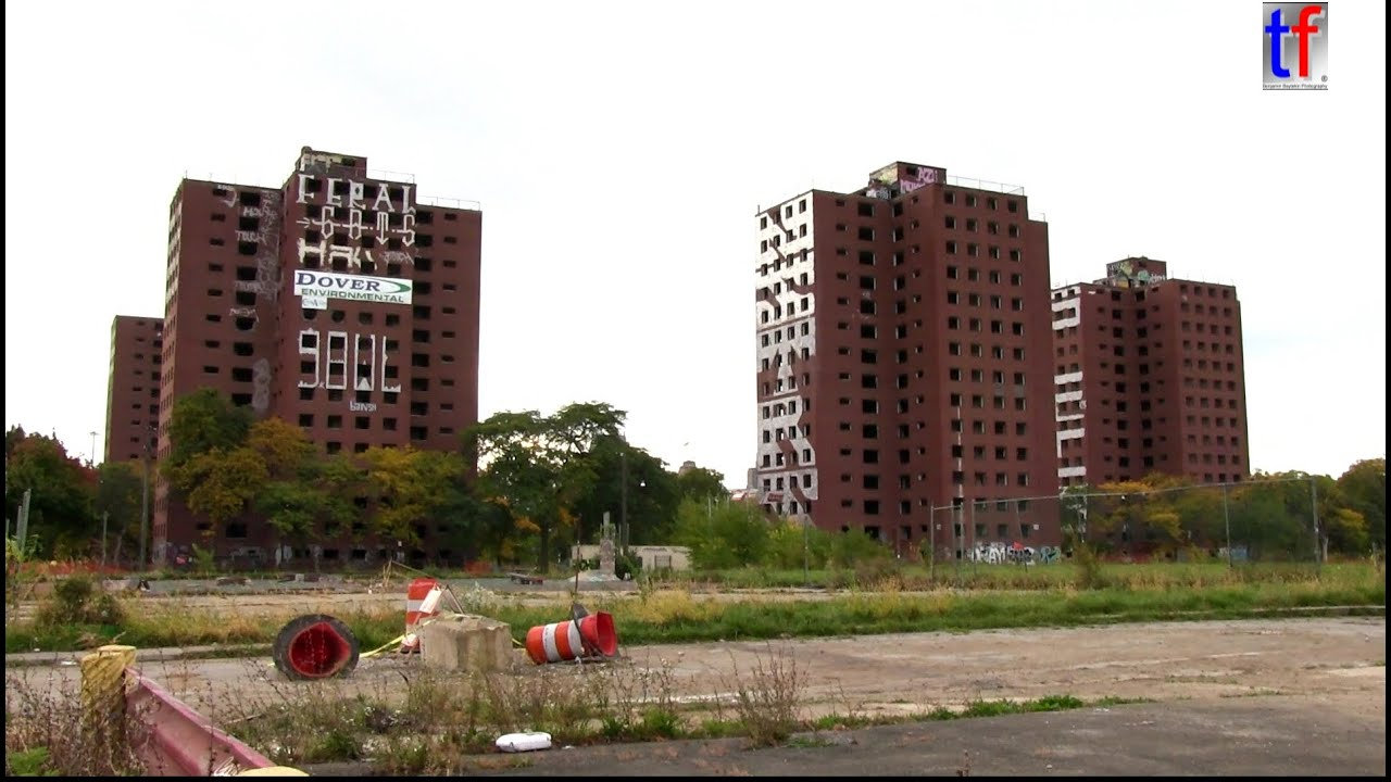 Detroit 39 s landmark towers of 39 brewster douglass housing for Projects house