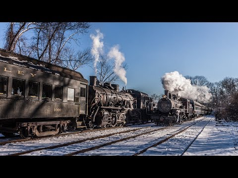 HD: Chasing the Valley Railroad's Christmas Trains in the Snow! - Featuring VALE 3025 & VALE 40!