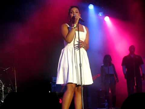 Next to You- Jordin Sparks (live)