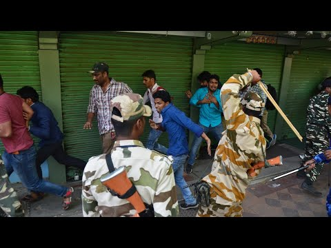 SSC Protest: Lathi Charge on SSC Candidates, Police arrest Students for Marching towards Parliament
