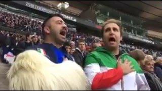 Pio e Amedeo cantano l' Inno di Mameli allo Stade France Emigratis