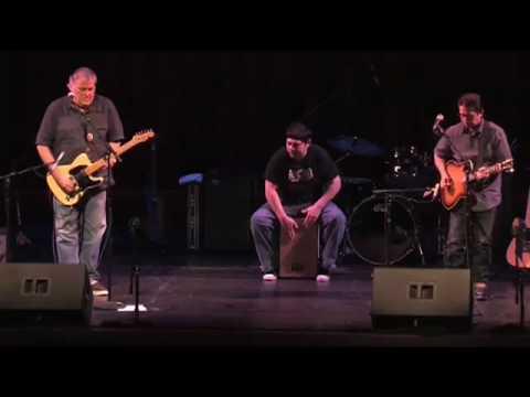 """Wake Up Delores"" - David Hidalgo & Louie Pérez - Live 2009"