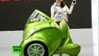 """El futuro llegó al Autoshow de Tokio: """"Kobot"""", el miniauto eléctrico"""