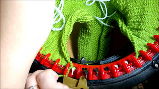 Вязание кофты на вязальной машине Addi Express Kingsize sweater pulover(How to knit woman's sweater pulover - video tutorial with detailed instructions on english knitting machine Addi Express Связанная кофта на вязальной ..., 2015-11-04T11:00:01.000Z)