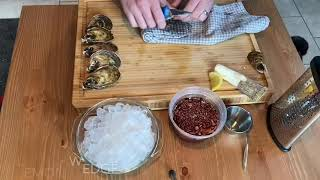 HOW TO SHUCK AN OYSTER / BASIC OYSTER PLATTER | #NMGEATS