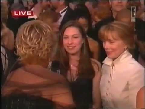 Joan Rivers - Oscar 2002 - Interviews Sharon Stone, Nicole Kidman, Sandra Bullock, Hugh Grant etc
