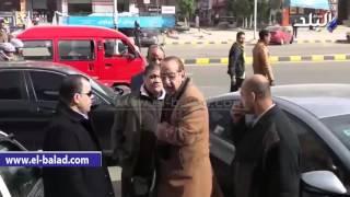 بالفيديو.. وصول أحمد راتب ورشوان توفيق وبكرى لأداء صلاة الجنازة على حمدى أحمد