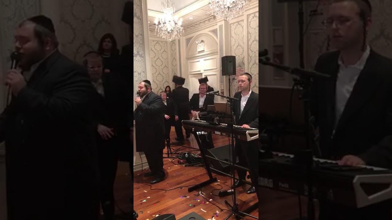Ultra-orthodox Jewish Singer Sings Descpacito at Jewish Wedding