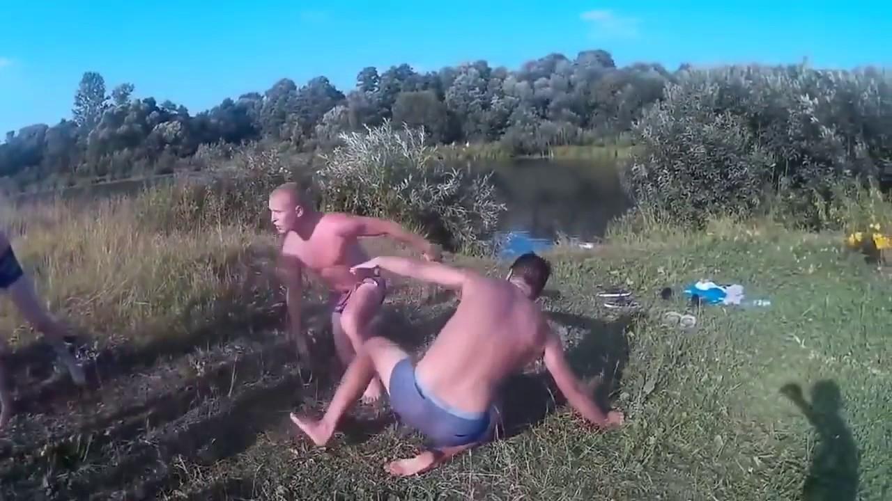 Мужик ебет деревенскую бабу хоум видео