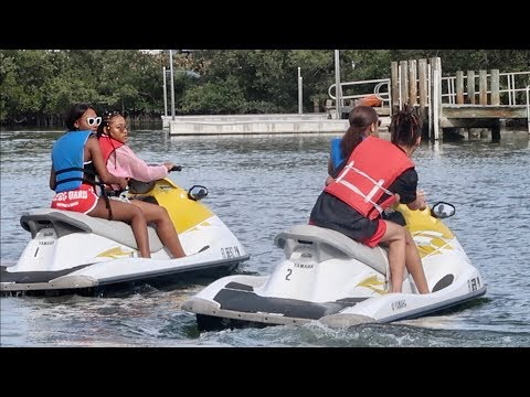 WE HAD A WRECK ON THE JET SKI'S!!!