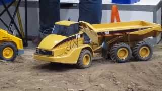 RC DUMPER CAT 740 in Action! Nice realistic Dump Trucks at work.