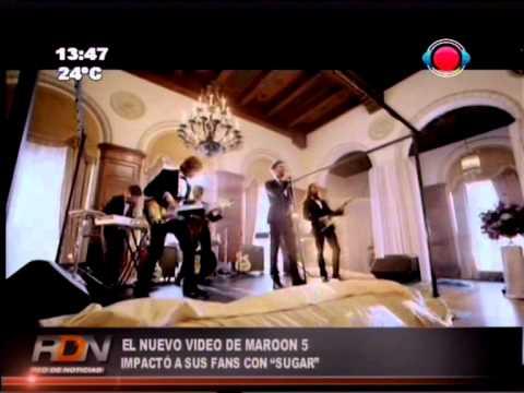 Maroon 5 sorprende a novios cantando en sus bodas 15-01-15
