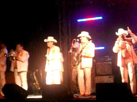 Laberinto Cantando En Odessa Texas!!