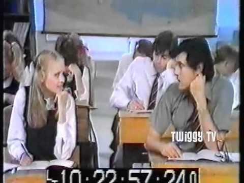 TWIGGY and BRYAN FERRY perform  WHAT A WONDERFUL WORLD (1974)